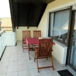 Fewo Baumgasse - der Balkon mit Tisch und Stühlen