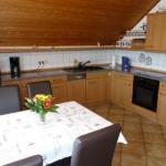 Fewo Baumgasse - Küche mit Esstisch