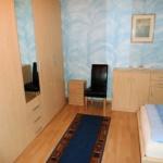 Fewo Baumgasse - Schlafzimmer Schrank und Kommode